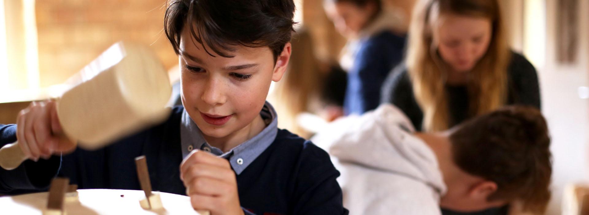 Die handwerkliche Kreativität fördern ist Schwerpunkt in der Rudolf-Steiner-Schule
